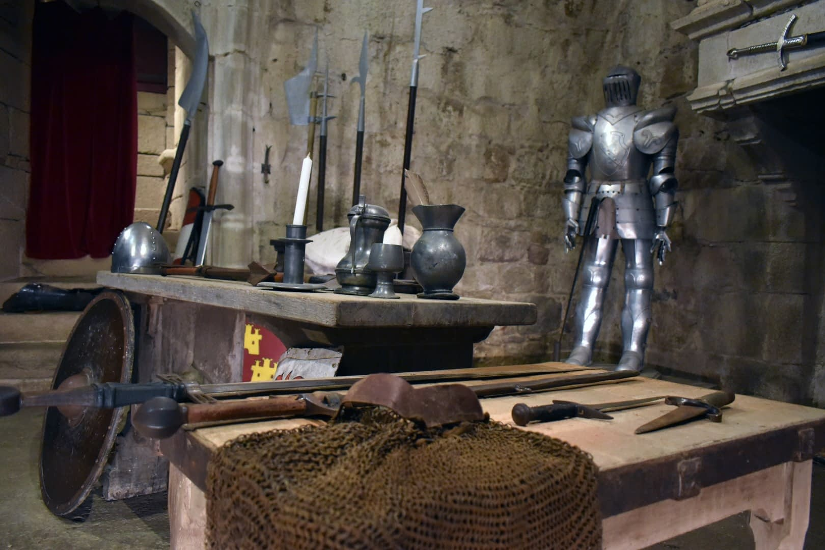 Medieval weapons and armours at the Château de Tiffauges