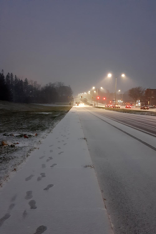 First snowfall, Sunday evening, Carling Road, Ottawa