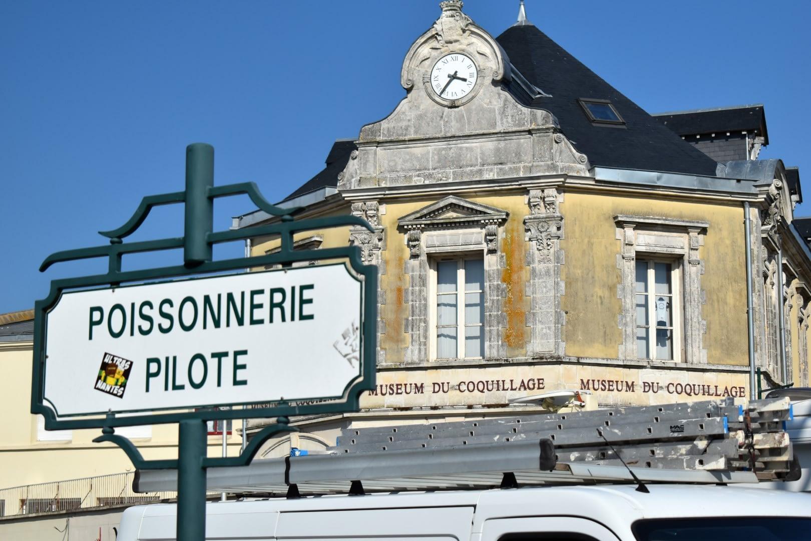 Poissonnerie pilote, 1 Quai Ernest de Franqueville, Les Sables-d'Olonne