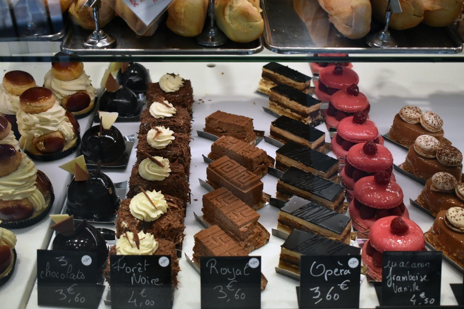 Boulangerie Patisserie La Poterne, 17 Place de l'Abbé Georges Hénocque, Paris