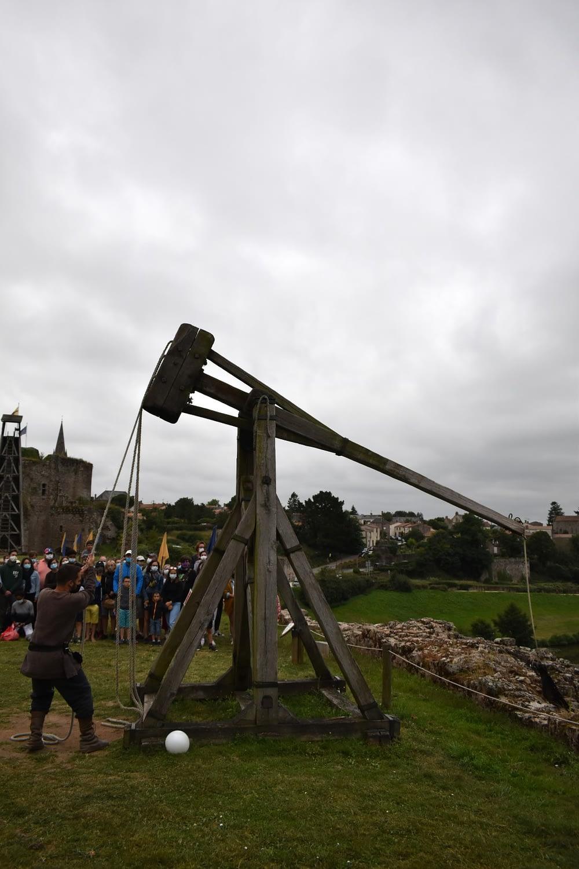 """Medieval catapult (""""la bricole"""") at the Château de Tiffauges"""